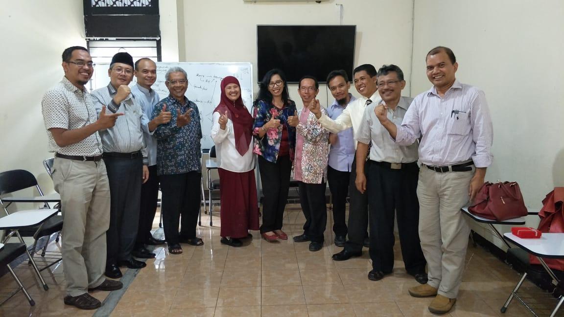 Perpisahan dengan Dr. Yayuk Andayani, M.Si